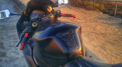 Aftermarket Grips on Honda CBR1000RR