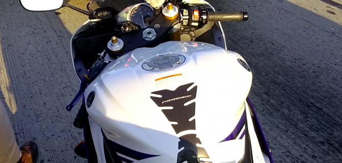 Pro Grip Tank Pad on Yamaha R6